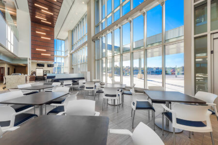 Lauritzen Outpatient Center | Nebraska Medicine Cafeteria - Architectural Healthcare Photography