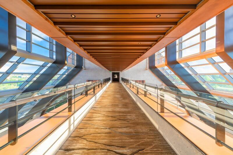 Walkway | Hilton Denver Inverness - Architectural Hotel Photography